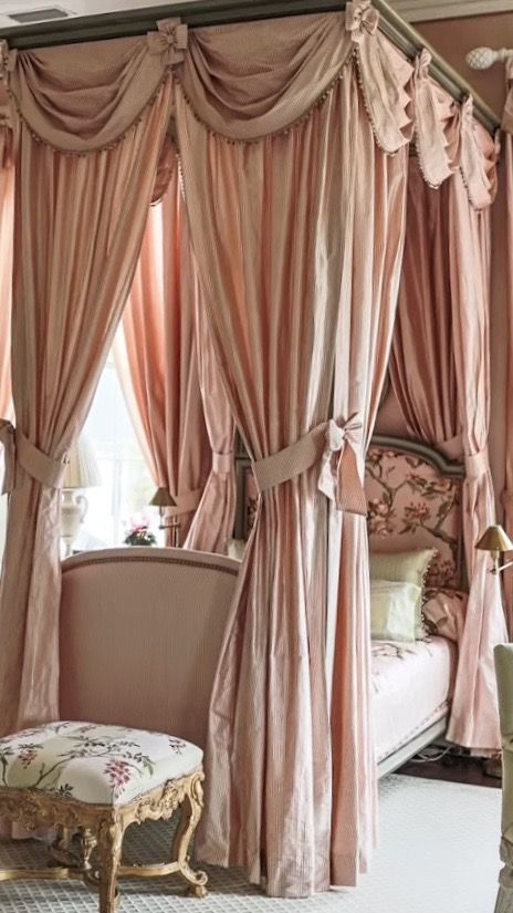 Decorating Ideas For Your Victorian Girl Bedroom